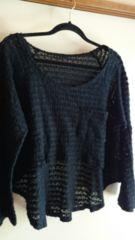 ■美品黒鍵編みポケット裾変形ニットソー■