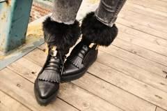 今年流行!ファー靴下黒ファー♪
