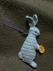 手編みのあみぐるみ、ウサギストラップ