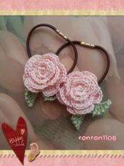 ハンドメイド/手編み♪レース編みお花のヘアゴム2個セット 564