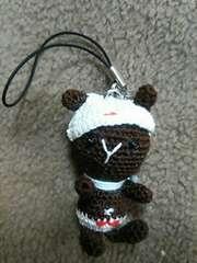 手編みのあみぐるみ、ウサギパンツストラップ
