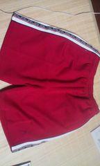 HEADの赤半パンツ