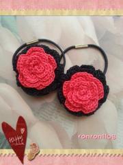 ハンドメイド♪レース編み2色のお花ヘアゴム2個セット 160
