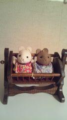 *木製揺りかご&2匹のネズミちゃん*