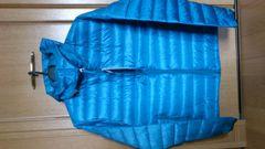 激安75%オフ軽量、コンパクト、ダウンジャケット、フード(新品タグ、青、M)