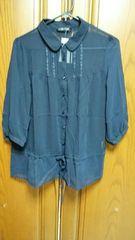 とっても素敵な濃紺色のブラウス。新品未使用品。7分袖