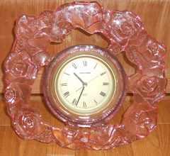 桃色バラのガラスフレーム!!日本製SASAKIガラス製置時計です。