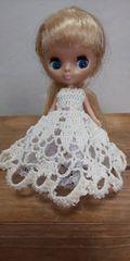プチブライスオフ白のレース編みドレス