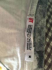 ユニクロにて購入Tシャツバラ柄サイズM