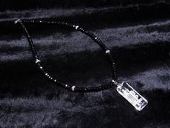 オラオラ系パワーストーン 浮彫龍水晶プレート×ブラックスピネルネックレス