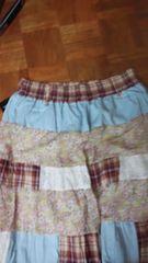 パッチワークが可愛いフレアスカート