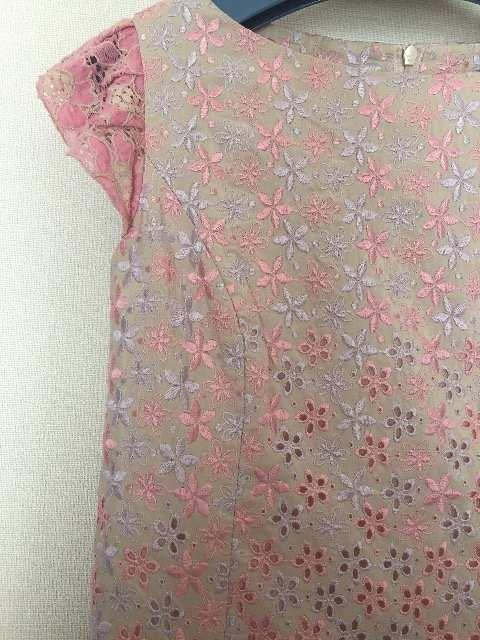 美品TOCCA ゴールドレーベル 刺繍ワンピース < ブランドの