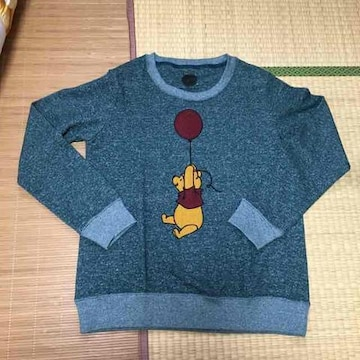 ディズニー・風船&プーさんサガラ刺繍トレーナー。グリーン