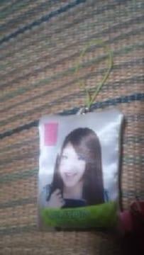 AKB48《ミニクッション型携帯クリーナーストラップ》内田