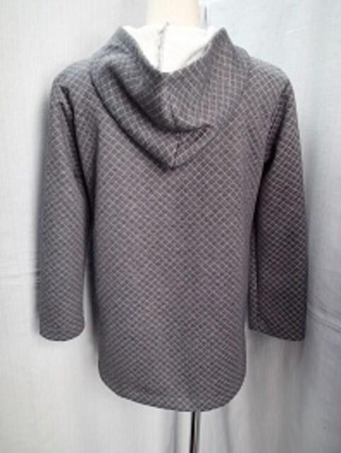 ◆キルティング加工入り フード付き デザインコート < 女性ファッションの