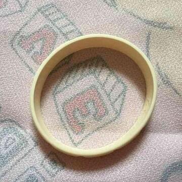 Q−POT・ホワイト板チョコデザインラバーブレスレット