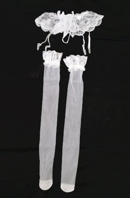新品[7905]白n●●Tバックガーターベルト&レース付ストッキング