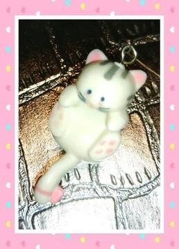 レア 猫 ゆらゆら マスコット  癒し 可愛い 置物 吸盤 人形 飾り