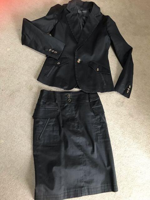 インタープラネット??スーツ レディース 黒 38  < ブランドの