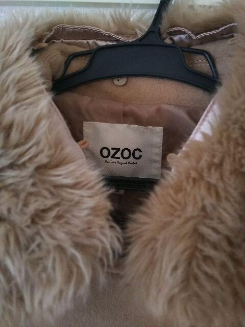 激安送料込◆OZOCほぼ新品◆ベージュトレンチコート < ブランドの