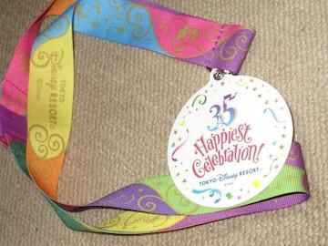 東京ディズニーリゾート*35Happiest Celebrationメダル*非売品