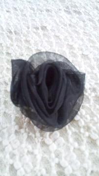 【新品 即決】blackローズ◆シフォン 小さめ上質コサージュ