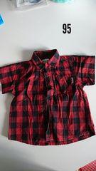 黒と赤のチェック半袖Tシャツ