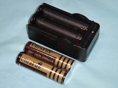 3.6V & 3.7V 充電器・18650 4000mAh プロテクト付き充電池2本