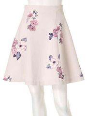 花柄スカート。ピンク系