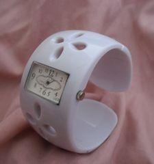 プラスチックバングルウォッチWH−腕時計