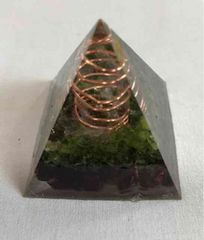 ピラミッド型オルゴナイト