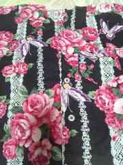 ☆新品黒×バラ蝶白レース柄ダボシャツ80