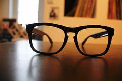 新品オシャレ 黒ぶちサングラス レンズ無し