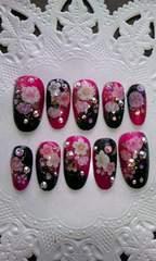 黒&ワインゴールドラメ桜和柄スワロネイルチップ
