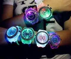 今回限り650円★大人気 レインボーLED腕時計 黒