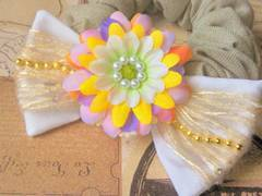 ハンドメイド*・゚色とりどり花びら、ナチュラルガーリーFlowerリボンシュシュ