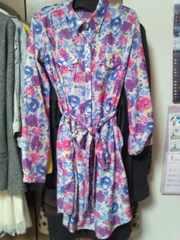ピンクシャツワンピースベルト付き紫色黄色花柄長袖日本製S〜M