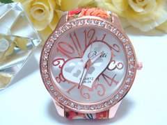 大きな時計盤にハートがcuteでベルトもお洒落な腕時計