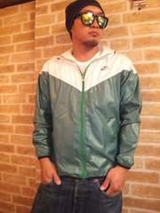 【NIKE】ナイキ2カラー薄手フード付ナイロンジャケットパーカー緑×白M♪