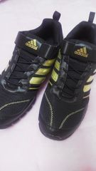 新品adidas23cm