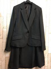 新品☆15号お仕事オフィスに!黒タックフレアスカートスーツj948