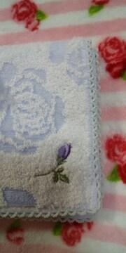 タオルハンカチ♪新品 紫色のお花刺繍