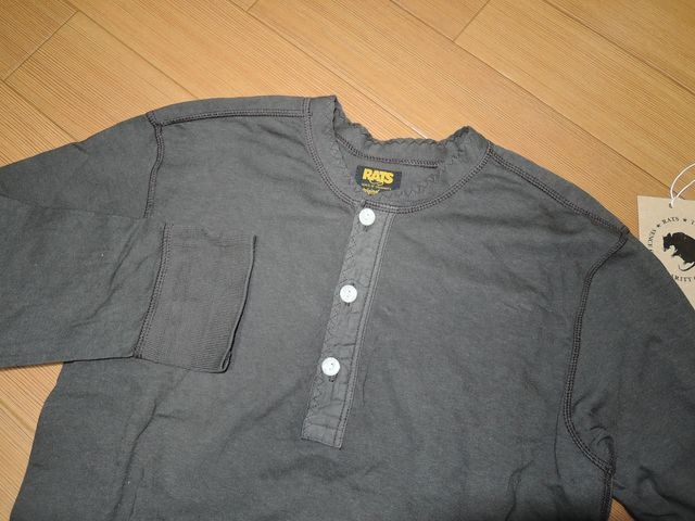 美中古RATSラッツ7分丈カットソーSヘンリーネックロンTシャツ < 男性ファッションの