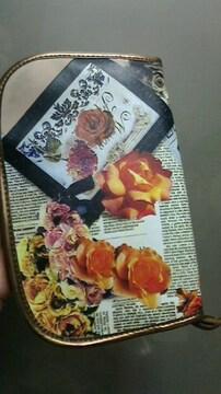 新品★『axes  femme』クラッシックな薔薇柄☆マルチケース