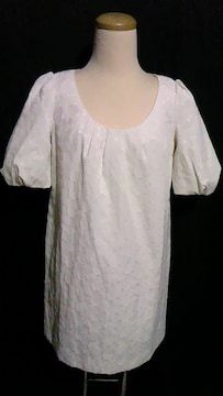 DURASambientアンビエント刺繍ドット柄パフ袖&胸元タックAラインワンピース白
