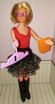 バービーやリカちゃんにドール人形用サングラス、ハンドバッグ、ハンガーセット