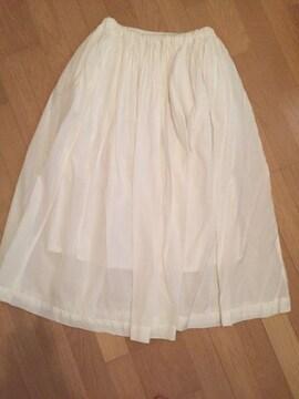 ホワイト ロングスカート