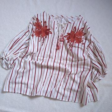 OZOC/タッセルリボン付繊細な刺繍使いのプルオーバー/美品