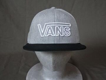 USA購入 VANS【バンズ】  シンプルなロゴマーク刺繍入りキャップ