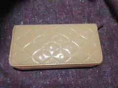 エナメル財布